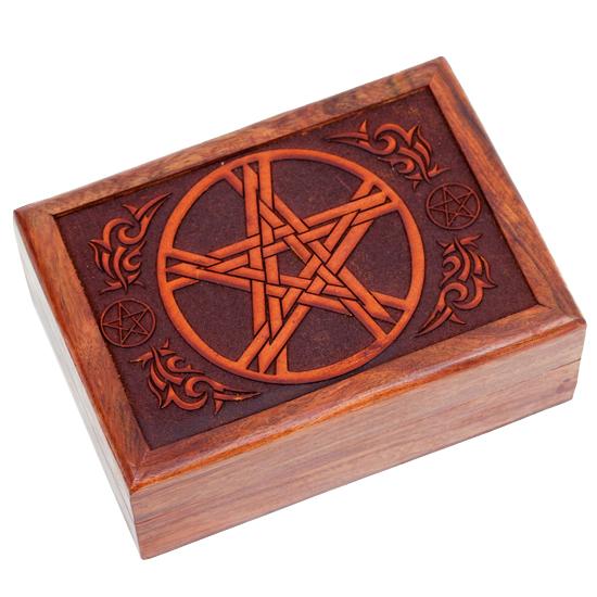 Tarotkistchen mit geschnitztem Pentagramm1
